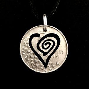 Swirl Heart 1049